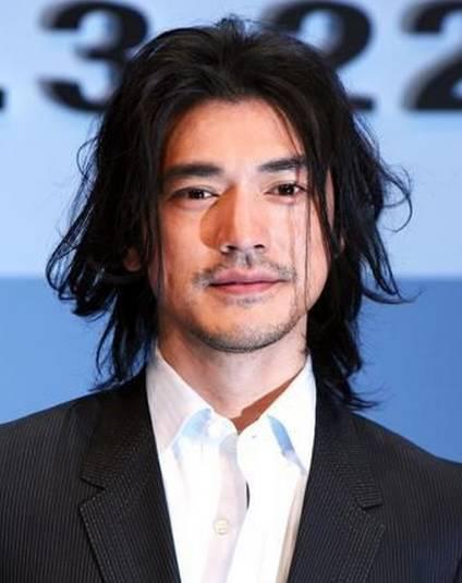 发型| 21种长发造型让男人照样型到爆