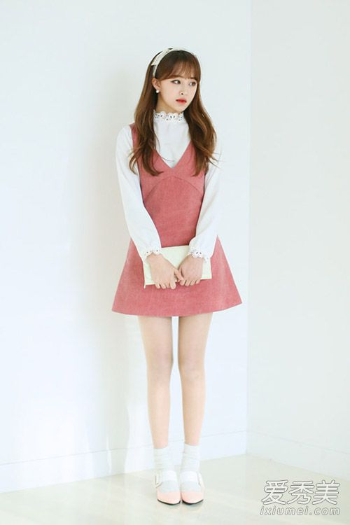 韩国街拍背心裙搭配甜美又减龄