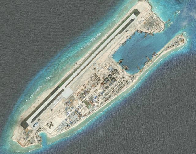 美國南海不斷挑釁惹怒中國,造島計劃快馬加鞭,南海四艘永不沉沒航母已成型!俄羅斯指美國已經徹底輸了!