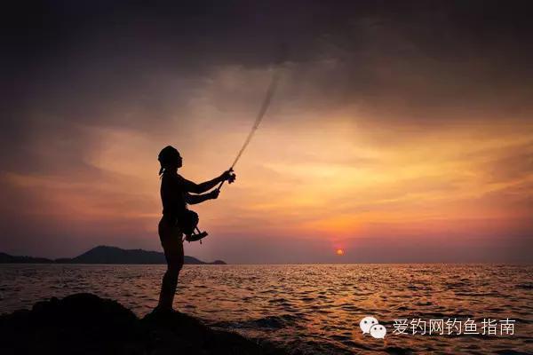 漁夫:釣魚用硬竿還是用軟竿?軟竿與硬竿好壞解釋!