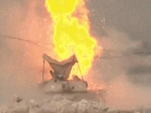 坦克殉爆到底有多可怕?炮塔被掀飛,車組人員瞬間燒成焦炭!
