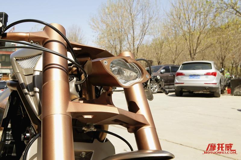 「奢華的硬漢」 深度定製金剛狼摩托車