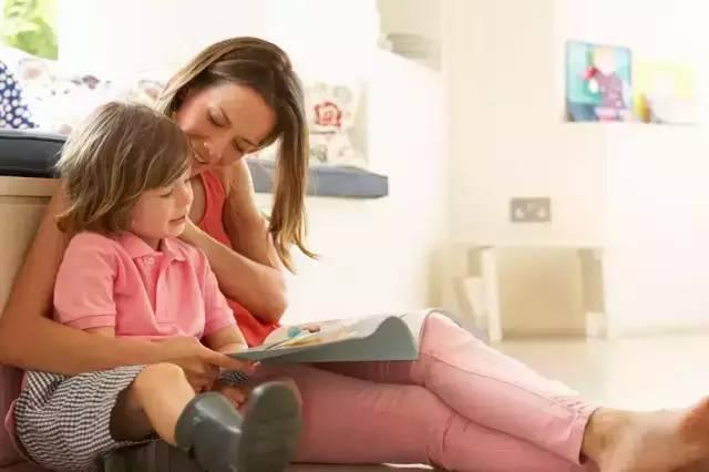 看這位媽媽如何解釋為何不能在同學家過夜?真是太機智了