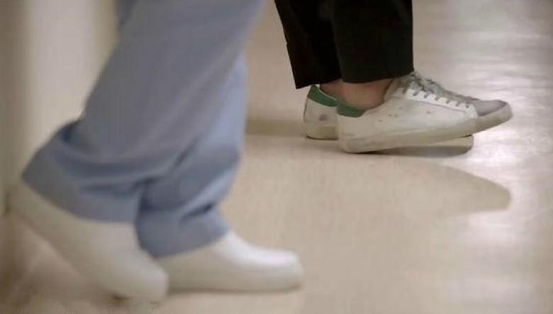 楊冪穿「骯髒鞋」?是宋仲基也穿過的義大利品牌