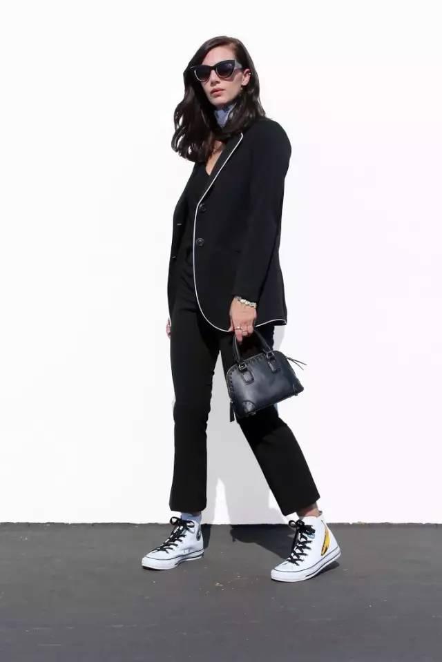九分褲+運動鞋=早春最百搭好穿的時髦套路!
