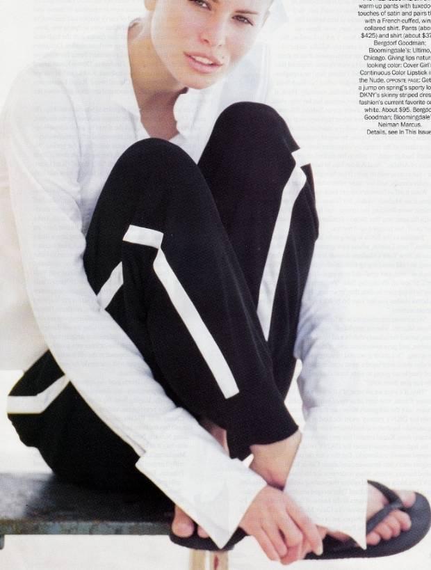 不在糾結留還是不留,一條「側條紋運動褲」可以搭配所有風格!