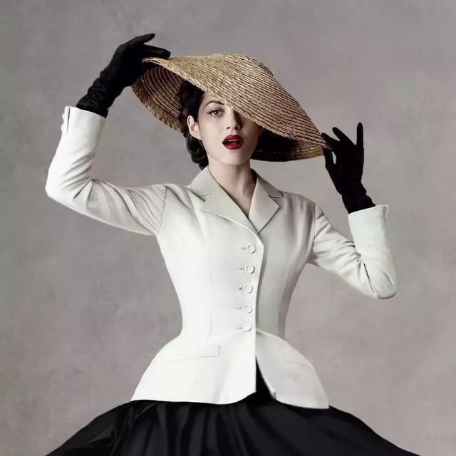 黑白西裝搭一切是溫柔也是傲骨