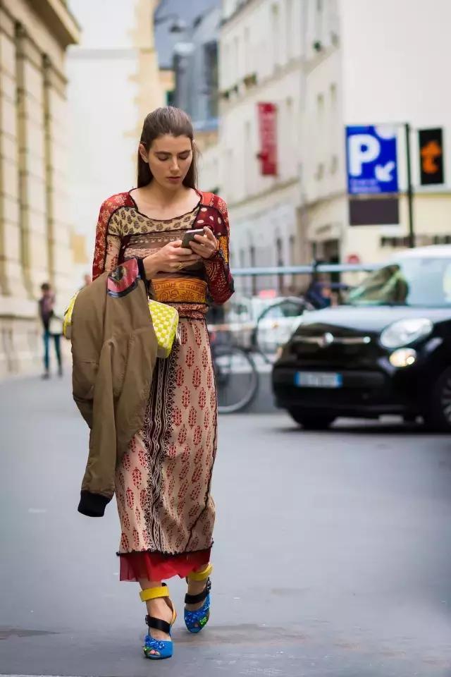 一個女人的性格氣質,看她穿什麼顏色的衣服就知道!