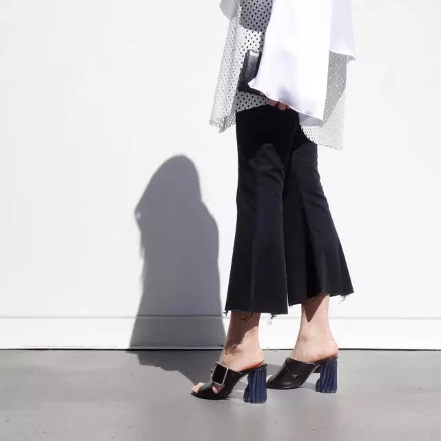穿膩了小白鞋,夏天還應該要有一雙好穿又時尚的穆勒鞋