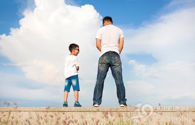 男人小便後做一件事,是預防前列腺炎的好習慣!