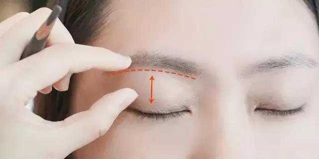 只要記住一個要訣,就能把眉毛畫得超好看!