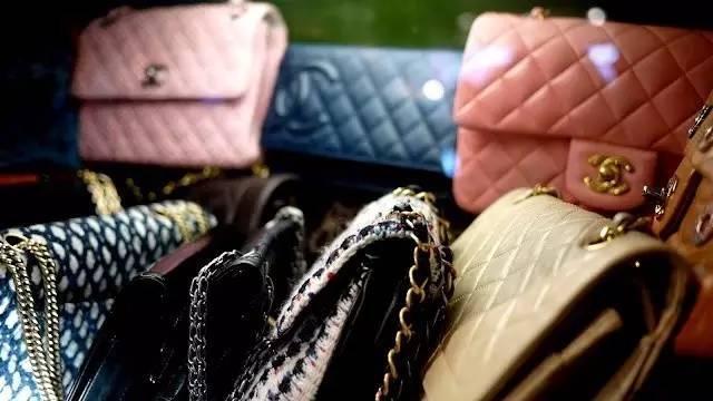 香奈兒方胖子小包,明星人手一個,永不被淘汰的時尚!