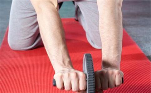 健腹輪效果如何推薦三種健腹輪玩法