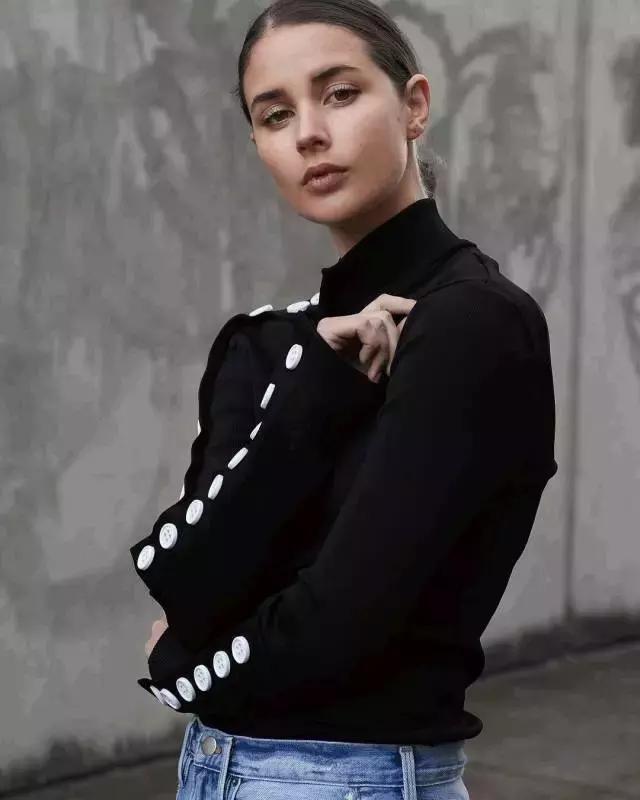一件賦予你迷人情緒的針織衫|法式風格衣櫥