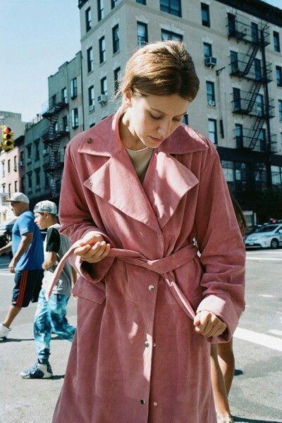 粉色大衣裡面怎麼搭配? 學會這些粉紅色大衣的最佳搭配太高級了