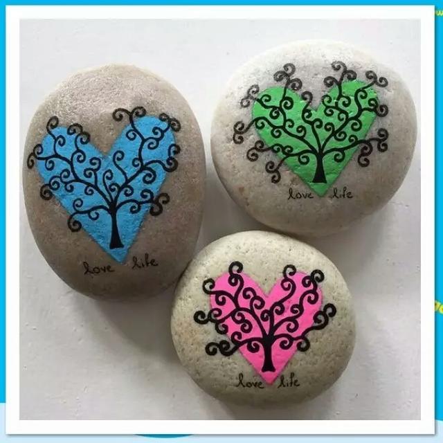 漂亮的石頭畫,讓孩子愛不釋手! 特別適合女孩子玩噢