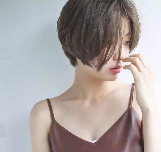 想換髮型的妹紙看過來! 2018流行的79款髮型,長發短髮全都有!