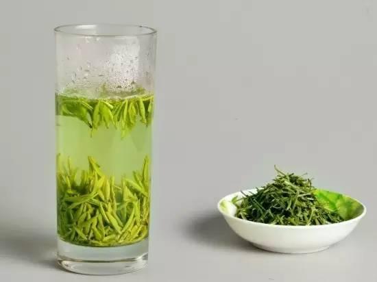 醫生提醒你:喝茶有益健康,但99%的人都錯在了這些地方