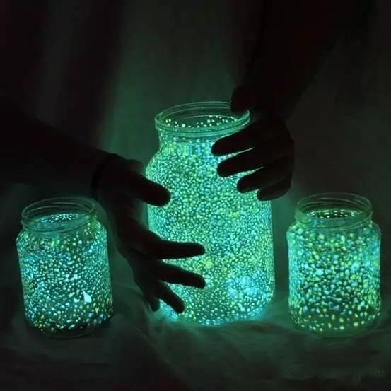 用完的玻璃瓶不要丟,這樣利用,簡直太美了,有木有……