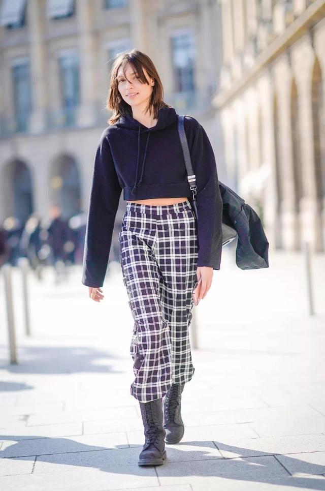 復古風回潮,格紋褲又流行起來了,時髦又顯瘦
