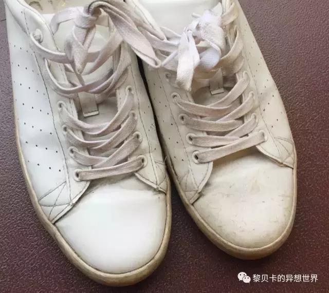 天吶! 小白鞋這樣洗居然變成新的了!