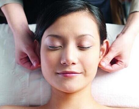 為什麼耳朵裡會長痘? 疼的時候怎麼辦?