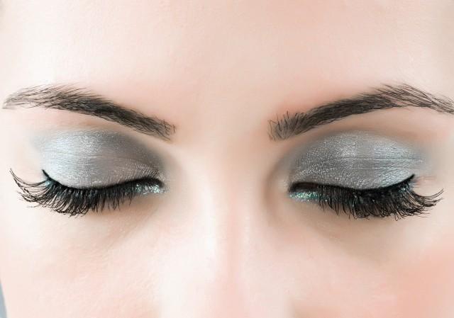 畫眉的核心是畫眉頭,只有眉頭畫好了整張臉才有神韻