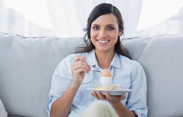 早餐堅持吃煮雞蛋,一個月後身體會怎樣?