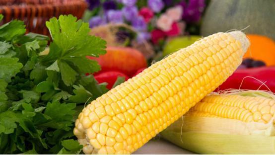 每天吃玉米,你能收穫4種好處! 但要注意這3件事