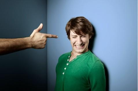 """心理學家:和一個""""幽默""""的人交往很危險,小心了!"""