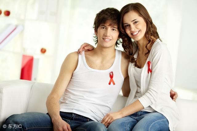 口腔潰瘍接吻,會不會被感染艾滋? 醫生透露:一種情況真的有可能