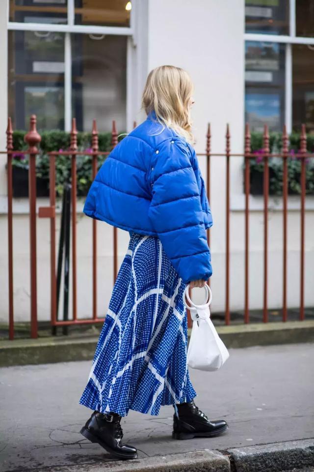 羽絨服+裙子,反差混搭解鎖冬季穿搭新潮!